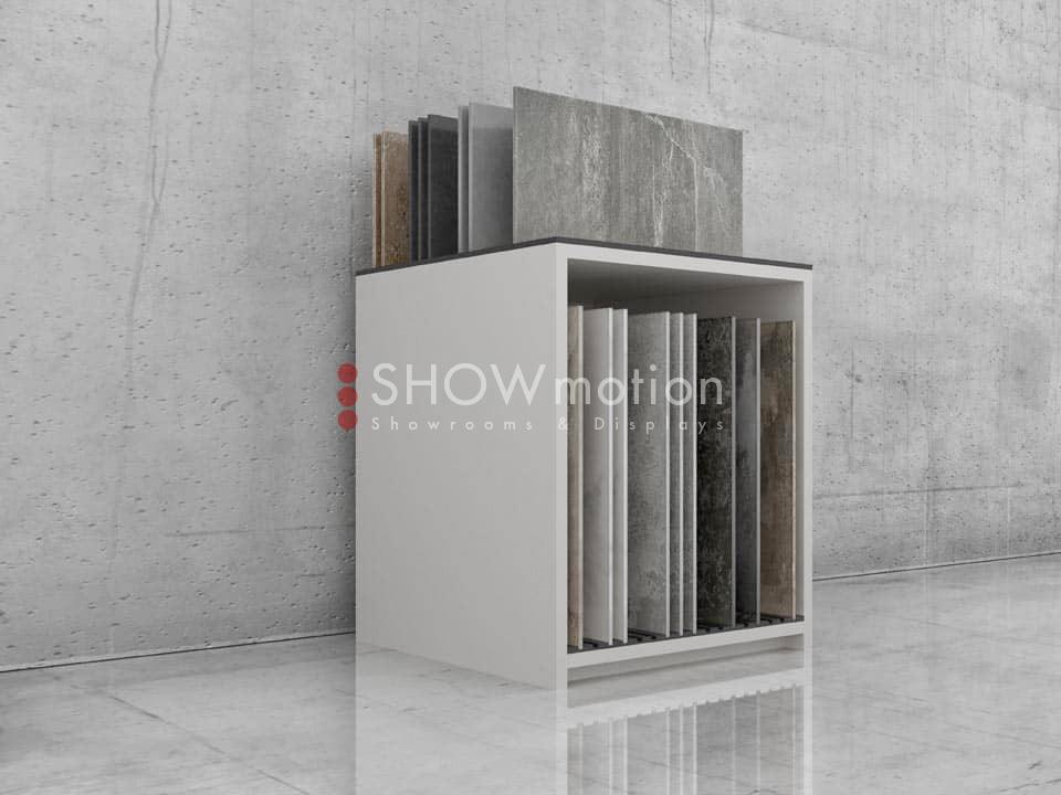 ShowMotion_PLAY 3_mobile espositivo per piastrelle singole